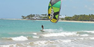 http://www.kitelegendschool.com/