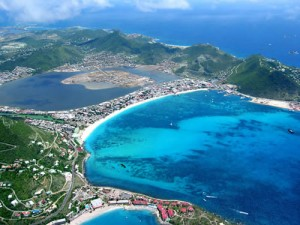 http://buenavibra.es/por-el-mundo/viajar-con-chicos/sint-maarten-saint-martin-dos-paraisos-uno-corazon-del-caribe/